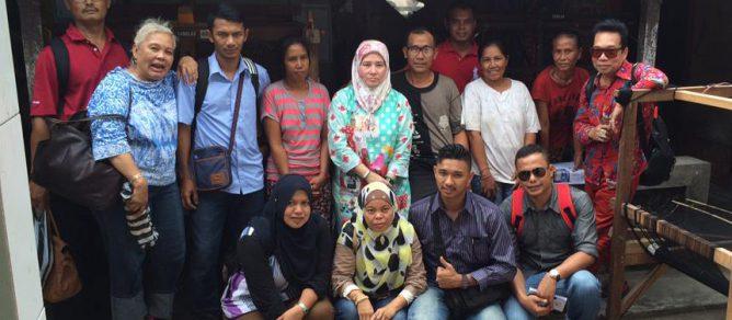 Kumpulan Teman dan Keluarga