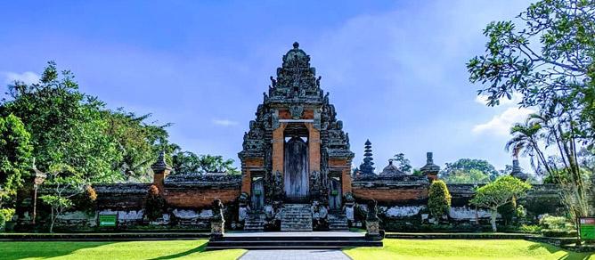 Pura Taman Ayun Daya Tarik Tempat Wisata Bali