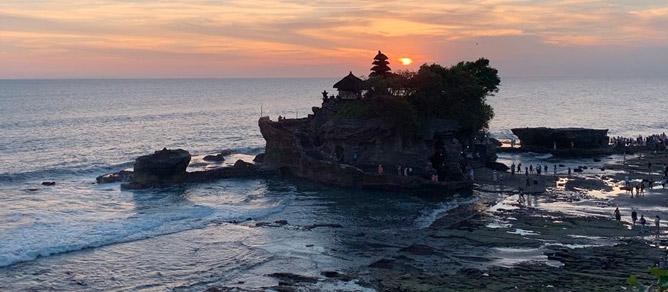 Wisata Tanah Lot Yang Ada Di Bali